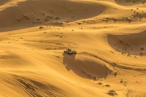 Met een jeep door de Sahara