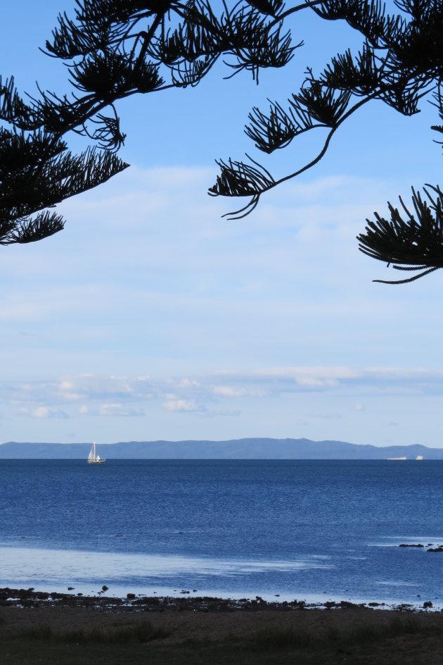 Vergezicht vanaf de kust bij Scarborough bij Brisbane