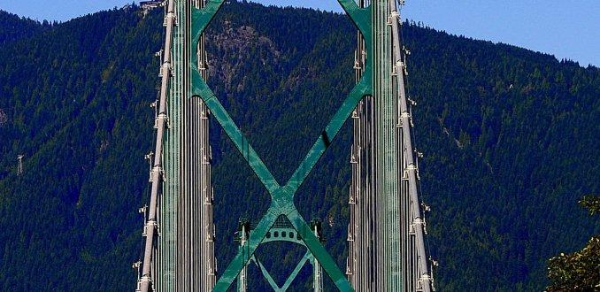 Lions Gate bridge !