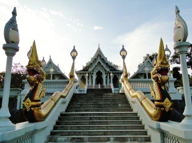 Witte Tempel op de stadsheuvel