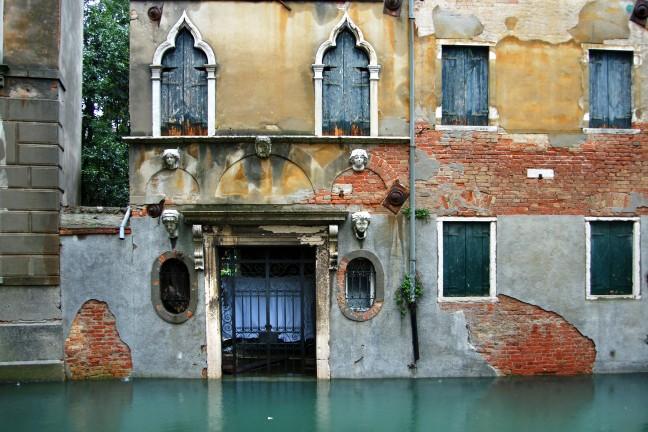 Acqua alta in Venetië