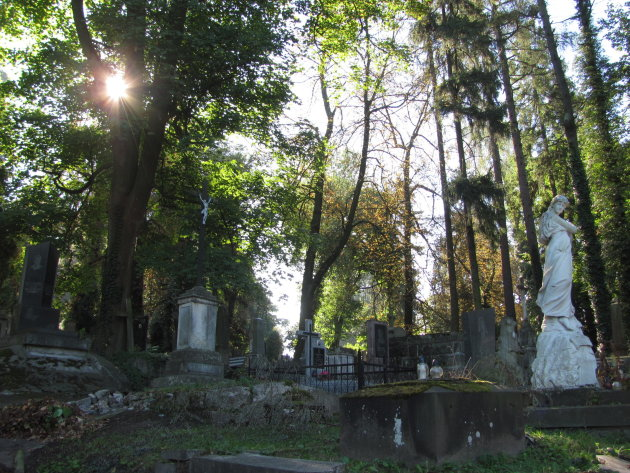 A dreaded sunny day, so I meet you at the Cemetry Gates