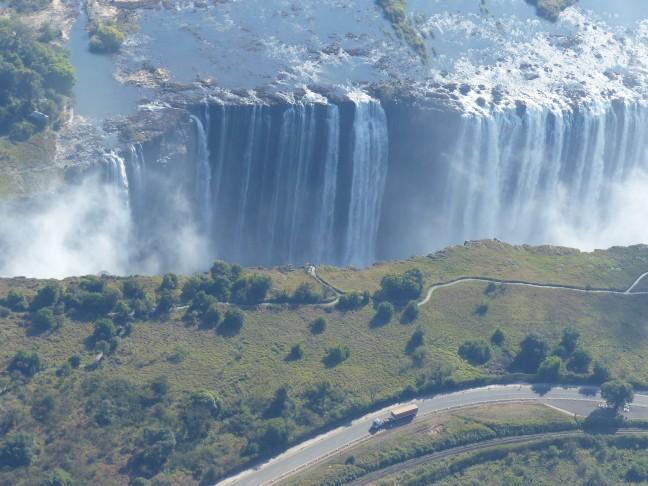 Vanuit een helikopter: de indrukwekkende Victoria Falls!
