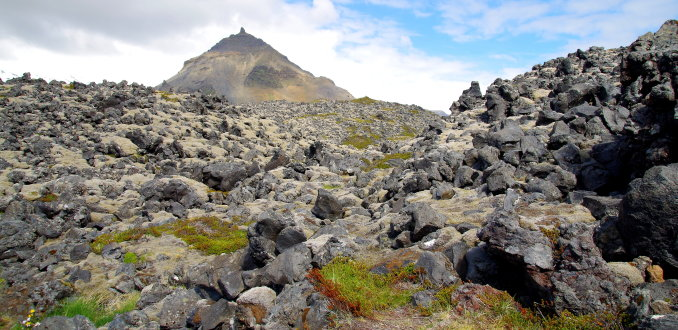 Maanlandschap bij Arnarstapi