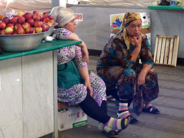 Bij de appelen neerzitten