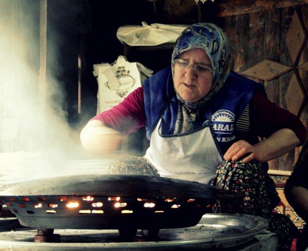 Het maken van z.g.n Turkse pizza's