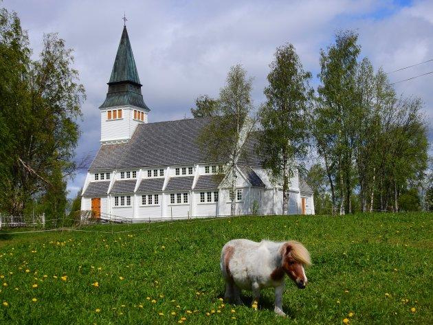 Bezoek een kerk in Zweden.