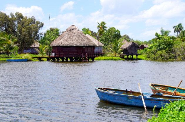 Vissersbootjes in Zapata