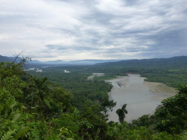 Uitzicht over het Manu NP