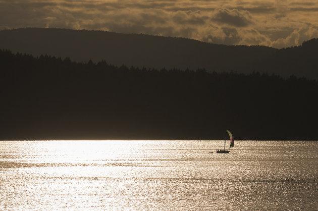 eenzame zeilboot