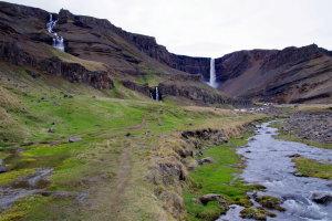 Hike naar de Hengifoss
