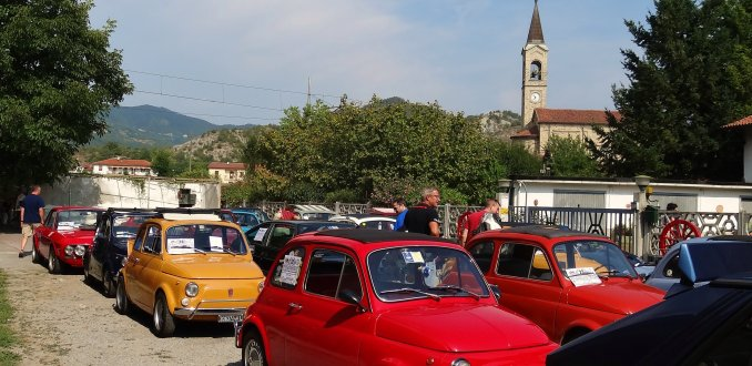 Oldtimer bijeenkomst in Merana (Zuid-Piemonte)
