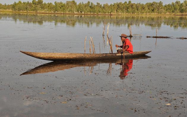 Palingvisser op het Canal des Pangalanes