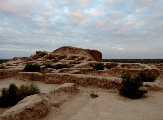 Afgekloven woestijnkasteel