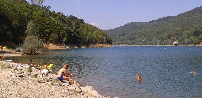 Zwemmen in het meer van Osiglia