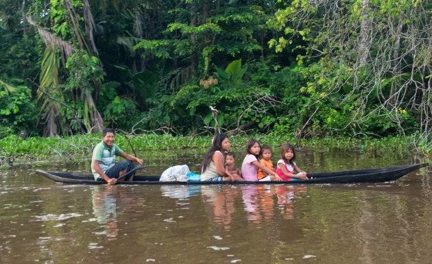 Kanoën op de Amazone