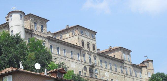 Eén van de vele Piemontese kastelen