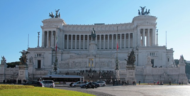 Monument Van Victor Emanuel Ii.Rome Columbus Travel