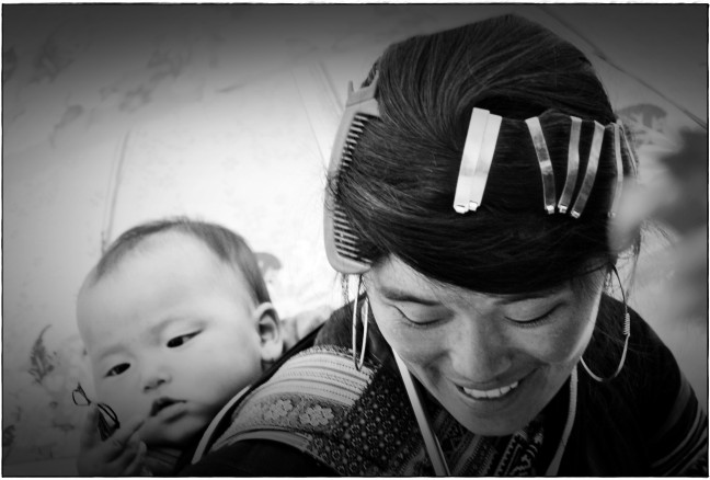 Back Hmong woman and her little babyboy
