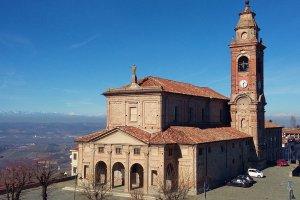 De panoramische kerk van Diano d'Alba