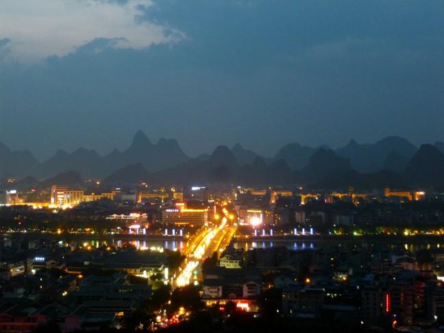 Guilin tussen de bergen en de Li-rivier