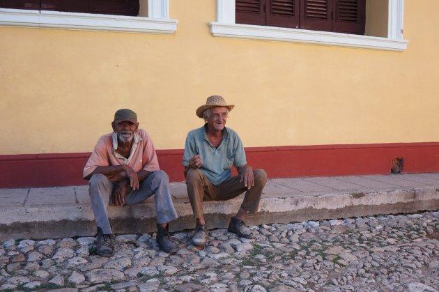 Twee oude mannetjes in het centrum van Trinidad
