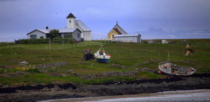 10 huizen, 1 kerk