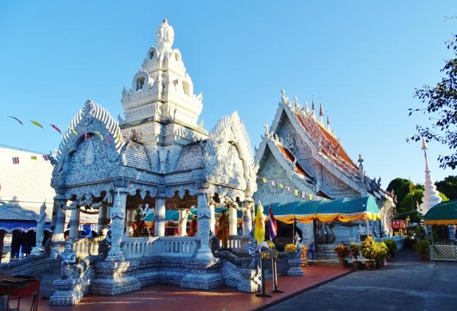 Wat Ming Muang.