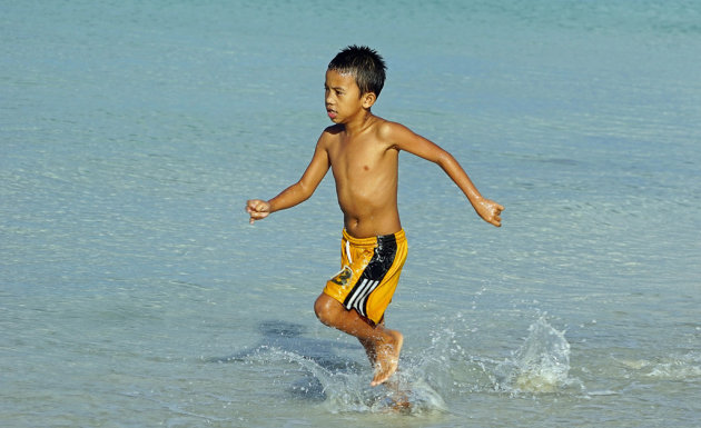 loopjongen op Boracay Island