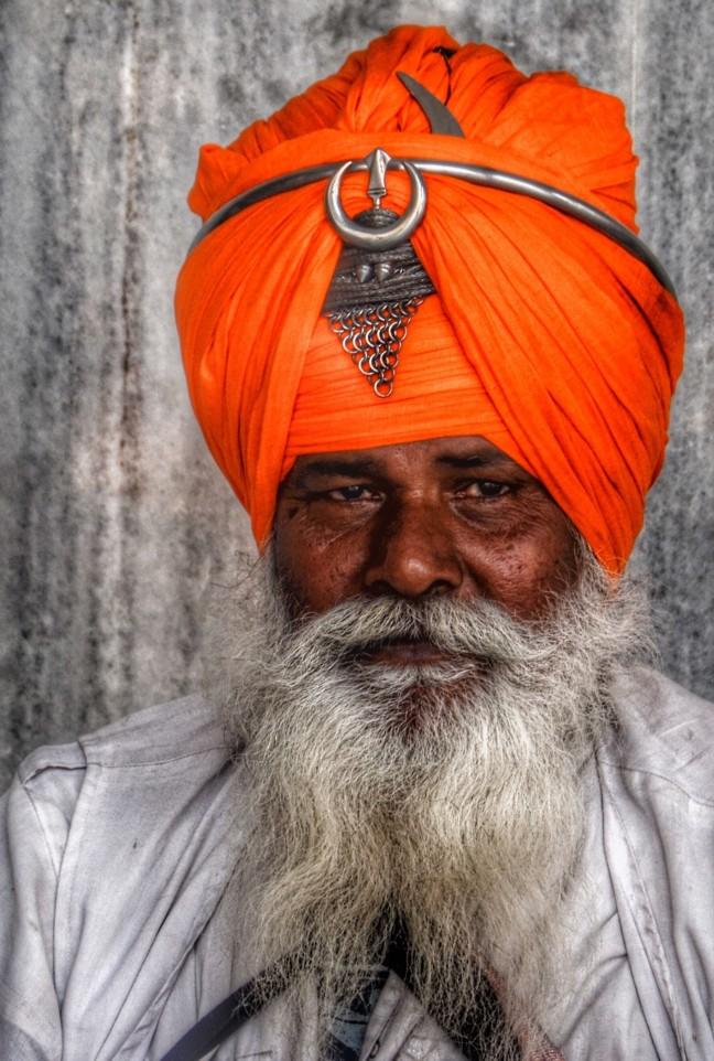 Waarom draagt een Sikh een tulband....