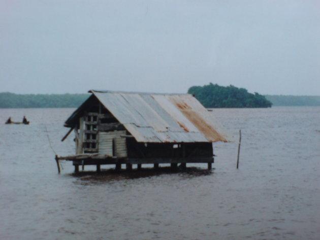 2001-2002 Waterhuisje in Coronie