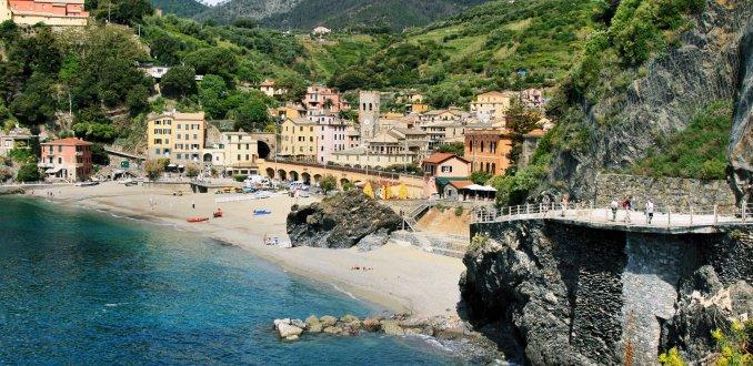 neem bij Monterosso het kustpad