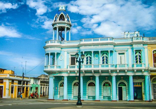 Prachtige gebouwen in Cienfuegos