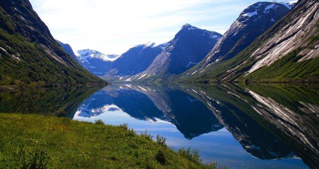 Spiegeltje, spiegeltje ....Noorwegen is een heel mooi land!