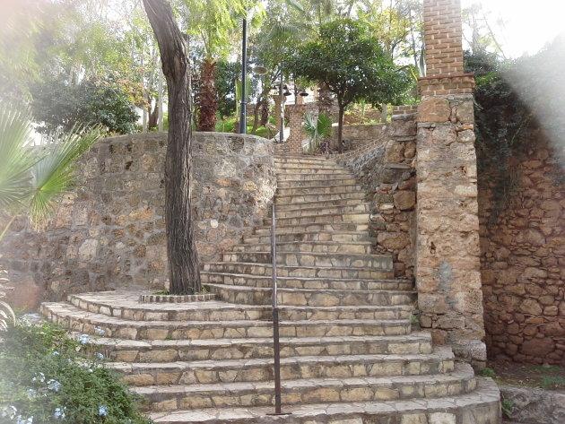de trap van Kaleici naar de oude haven