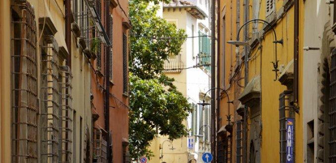 Lucca, ommuurde stad
