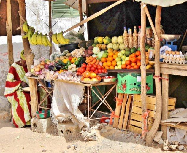Kleurrijke fruitstal