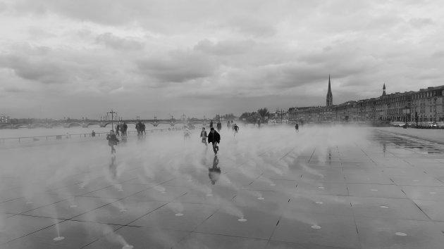 de 'Waterspiegel' in Bordeaux
