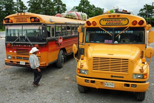 De bus naar Tegucigalpa en Roatan