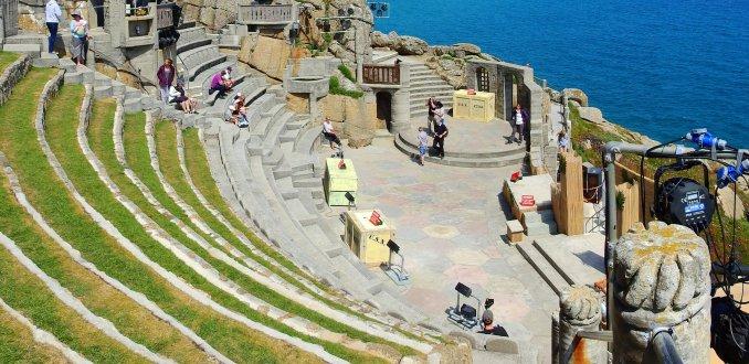 The Minack: theater aan zee.
