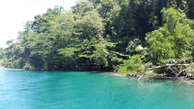 Blue Lagoon van 007