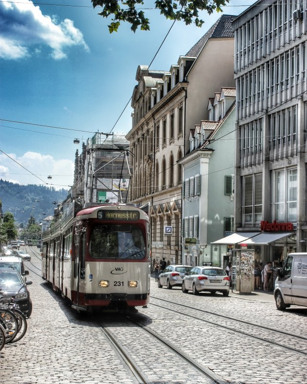 prachtige oude metro in Freiburg