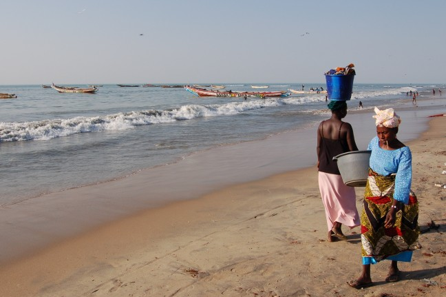 Gambia Vissers vrouwen.