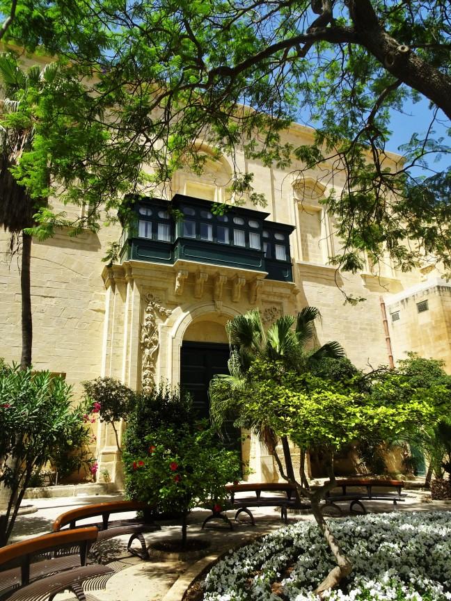 Prachtige binnenplaats van het Grandmaster Palace