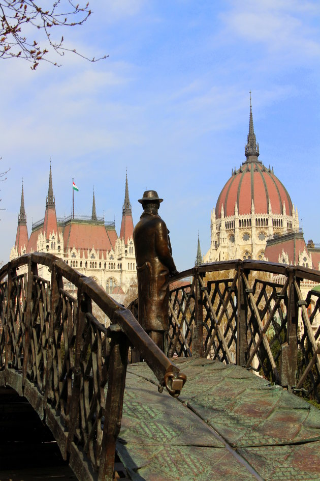 monument Imre Nagy, leider Hongaarse opstand