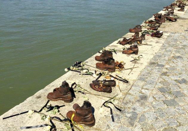 Monument van schoenen