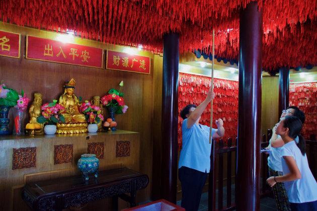 Een wens doen in de Chenghuangtempel