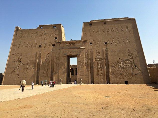 De immense Tempel van Edfu