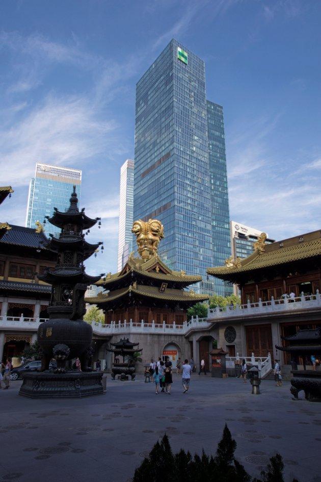 Jing'an Tempel, nieuw en oud