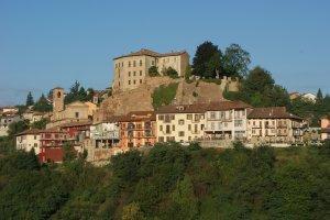 Uitzicht vanuit hotelkamer op Castellinaldo